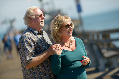 6466_d800b_Michael_and_Rebecca_Capitola_Wharf_Couples_Photography