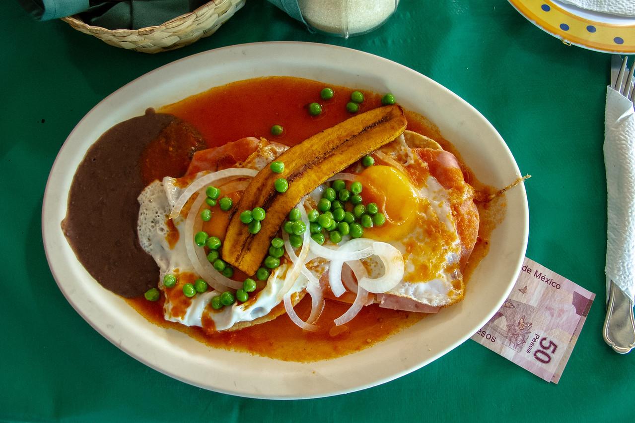 Huevos Motuleños at Market 28
