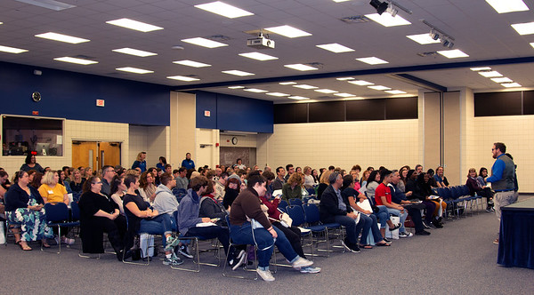 Experience New College brought prospective students to campus Nov. 16 to learn about academics and campus life.