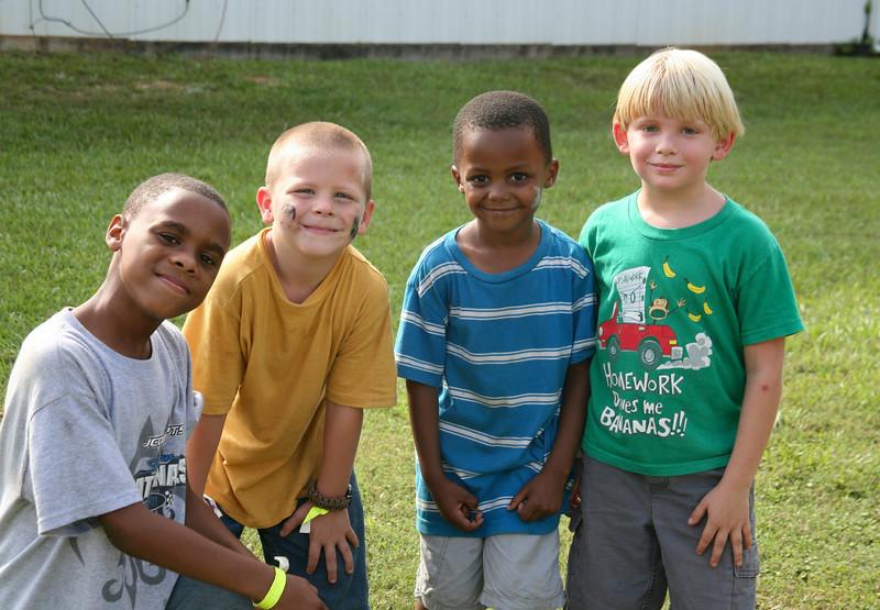 Pelahatchie Children play backyard football