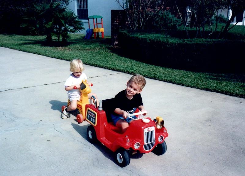 1989_Fall_Halloween Maren Bday Kids antics_0027_a.jpg