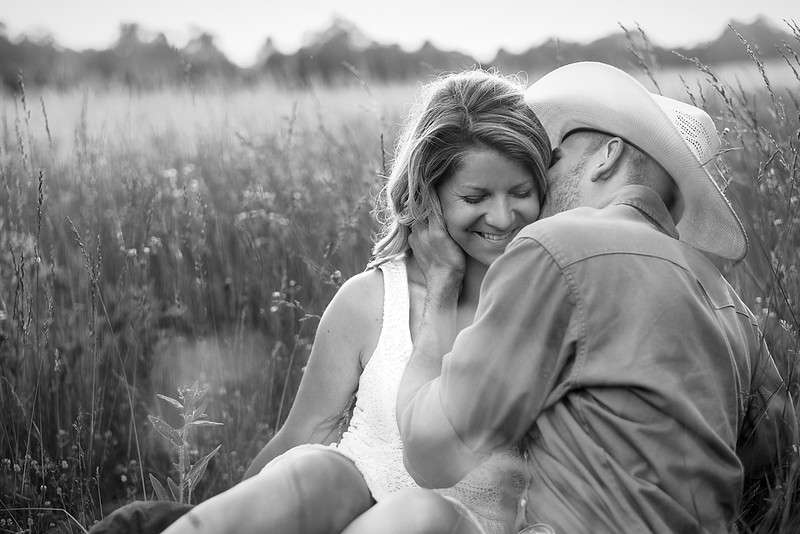 Kevin_Amanda_Country_Engagement_Blue_Photos_Jefferson_City_MO_Wedding_Photography -004.jpg