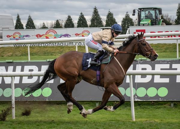 Doncaster Races - Sun 28 Mar 2021