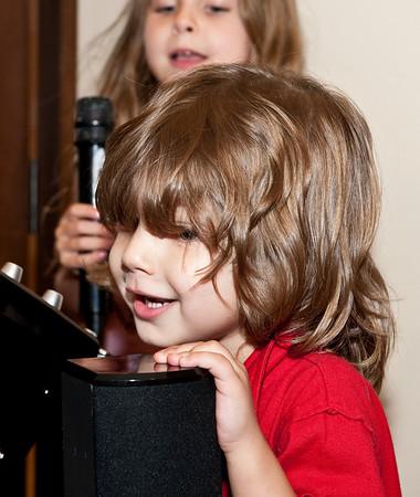 2009-01-03 - Karaoke with the Brady's