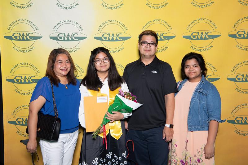 Scholarships-Awards-2019-0755.jpg