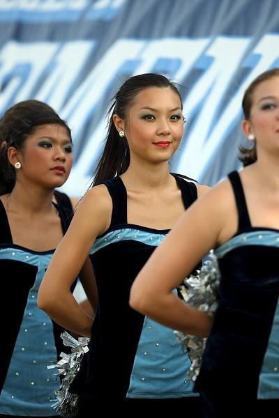02-Sep-2011 Cheerleaders, Dancers, Band, & Fans