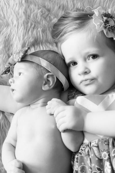 2014.03.30 Whitney Kronforst Newborn Photos B-W 51.jpg