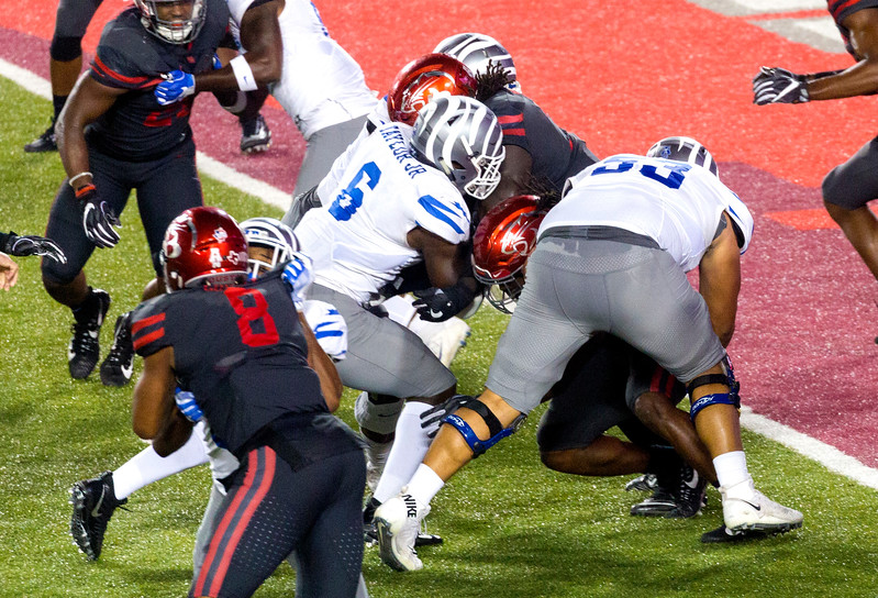 Taylor rushes in for a Memphis touchdown.