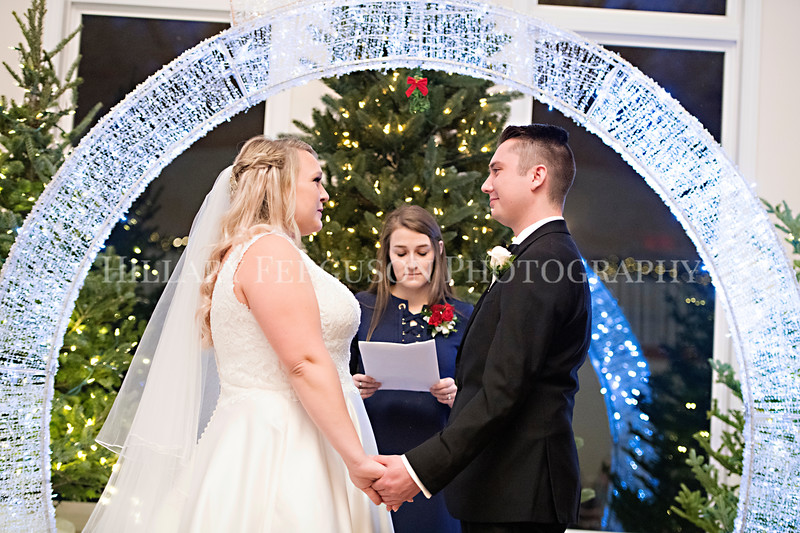 Hillary_Ferguson_Photography_Melinda+Derek_Ceremony085.jpg