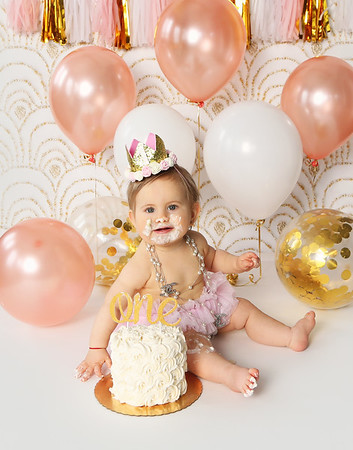 Isabella's 1st Birthday Session