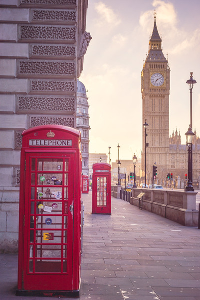 Big-Ben-and-3-phone-booth.jpg