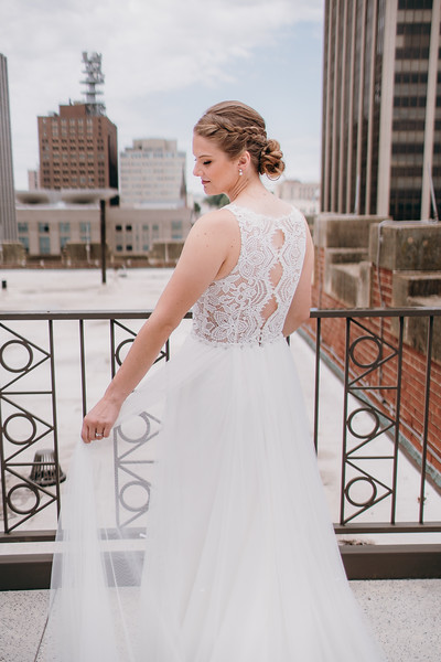[Bridal Prep] Liz-Dylan-27.jpg