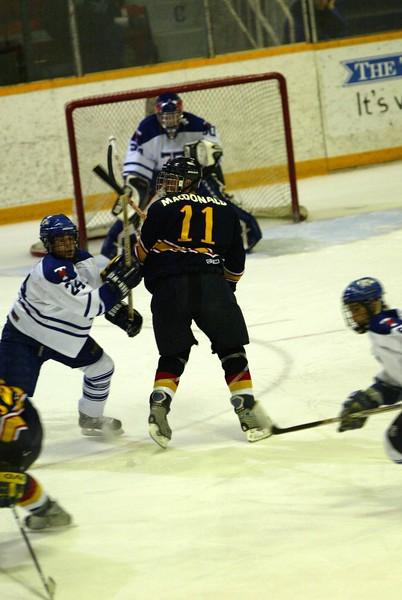 20040303 QMHockey at Tor 136.jpg