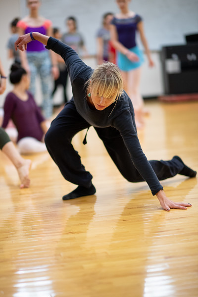 Contemporary     Shannon Mockli This class develops from the ground up, focusing on building sensation throughout the body by drawing awareness to the body surfaces contacting the floor at any given moment. This floor work emphasizes mobility and pliability, full articulation of the spine and dynamic use of the core. The class builds toward standing with an emphasis on drawing support for balance and thrust from the floor. Class material is fluid and full, valuing texture with energy, quality and time changes and it will build strength for moving in and out of the floor with speed and efficiency.