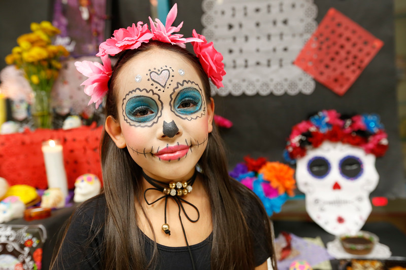 110118BrownMS-DayOfTheDead295 copy.JPG