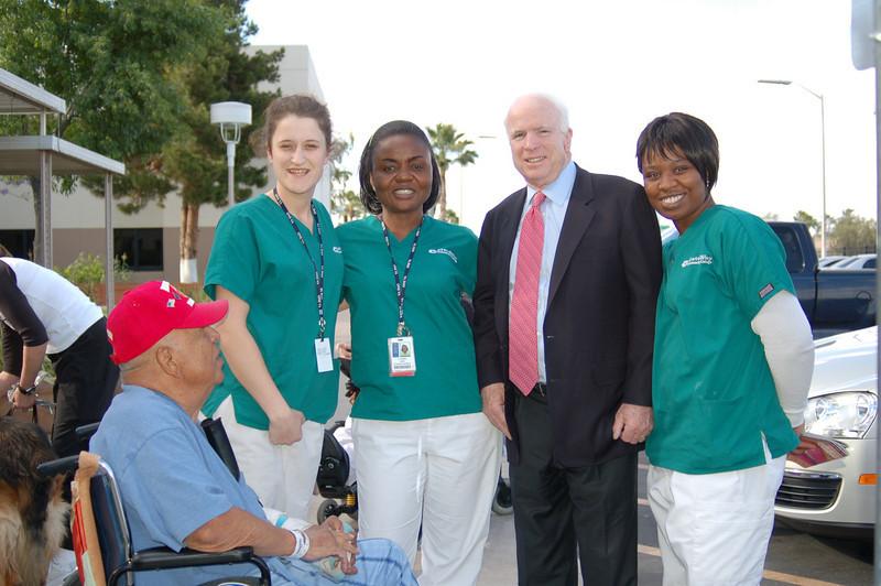 Sen McCain PVAHCS Visit 5-1-2010 5-32-29 PM.JPG