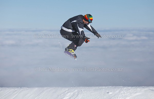 20120718 Snow Boarders on Turoa ski field _MG_5243 WM