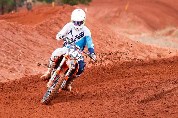 RACE 10 - 250B - OVER 30 - SCHOOLBOY 2