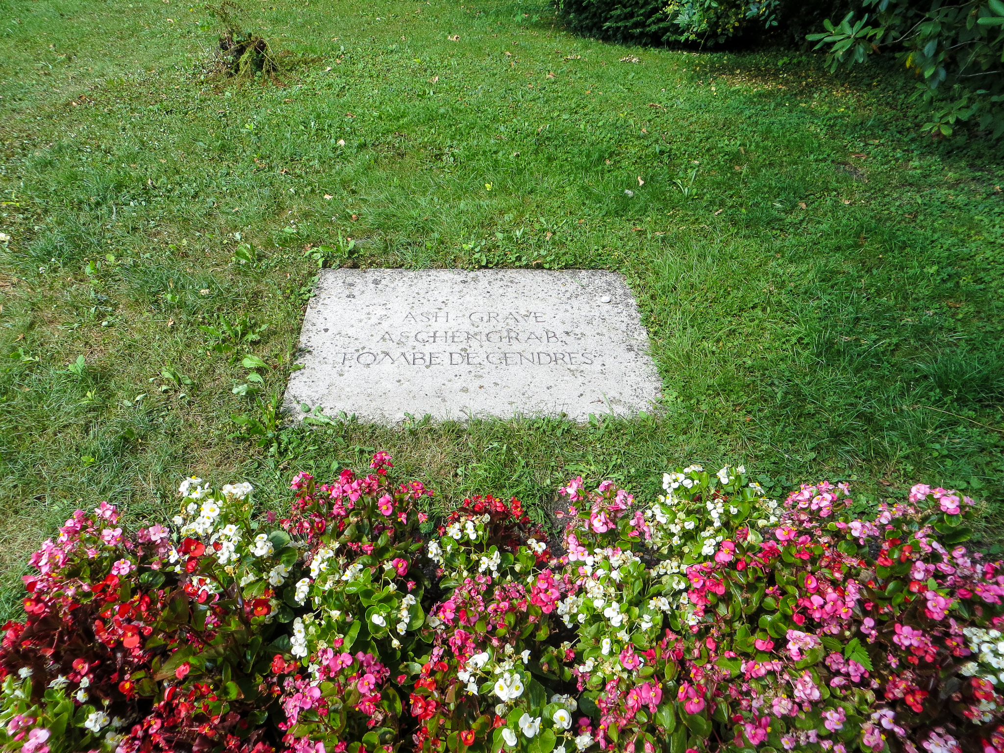 visiting dachau from munich: you will see ash graves