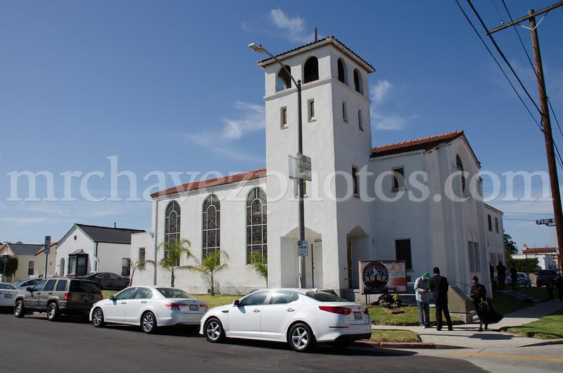 Pastor Hurt preaches at Grace Temple Church