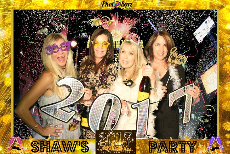 Shaws NYDay Party (58).jpg