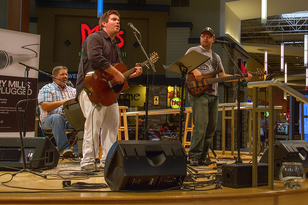 2016-08-21 - Spencer Ezell - Live at Opry Mills