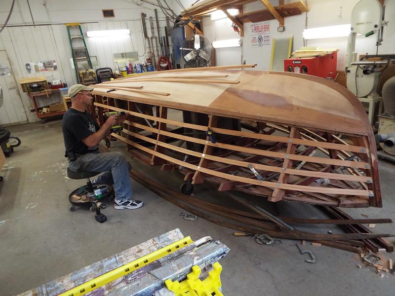 Fitting the port side battens.