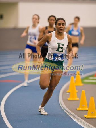800M Run - by Ike - 2012 GVSU Big Meet