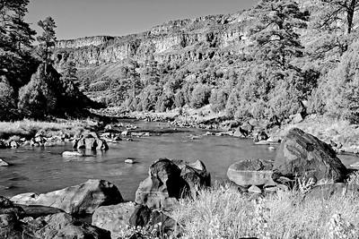 Rio Grande Black & White