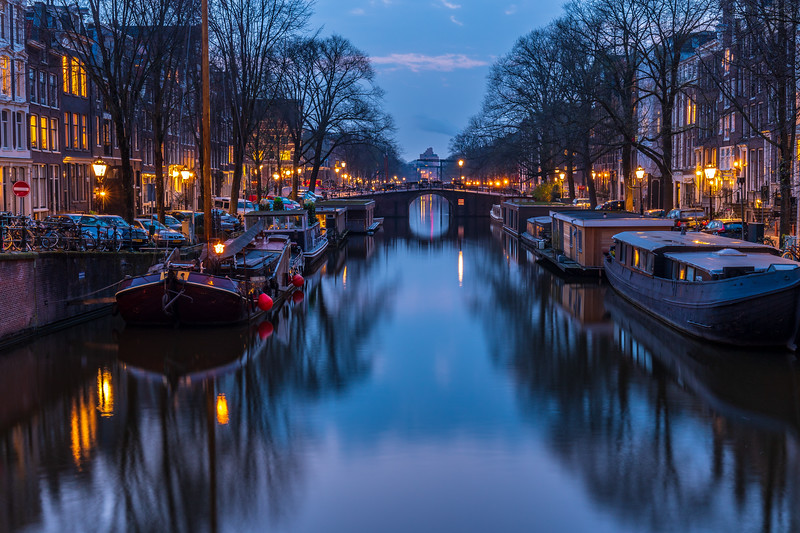 Brouwersgracht Canal at Night