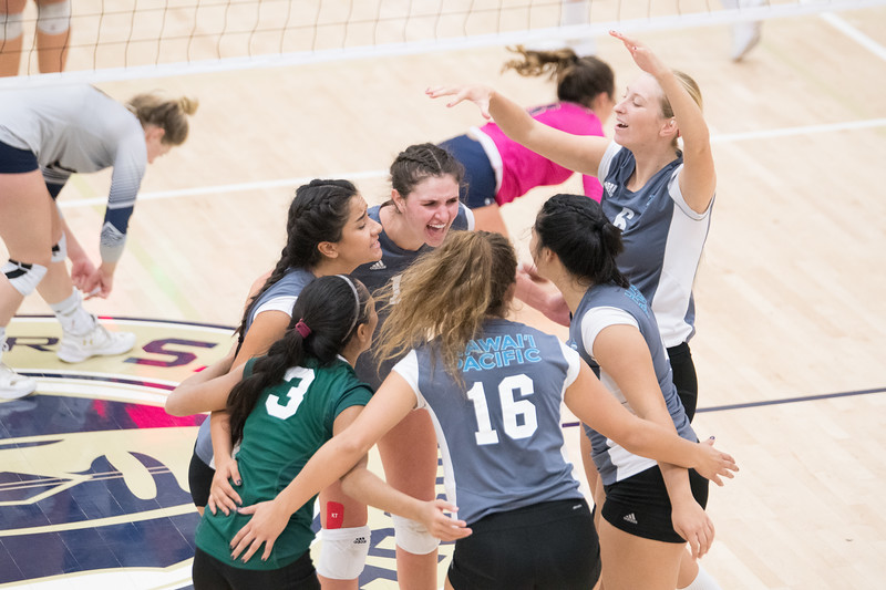 HPU Volleyball-93189.jpg