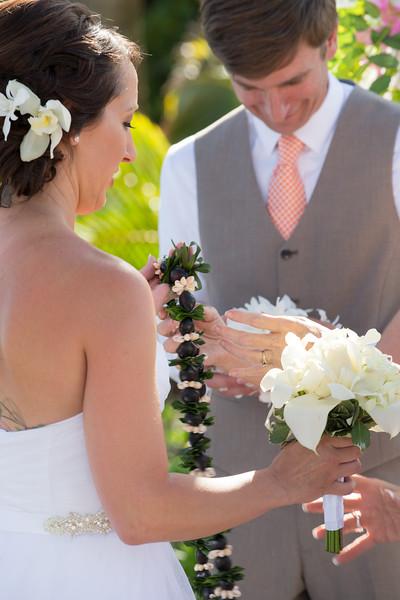 gillin beach kauai wedding-75.jpg