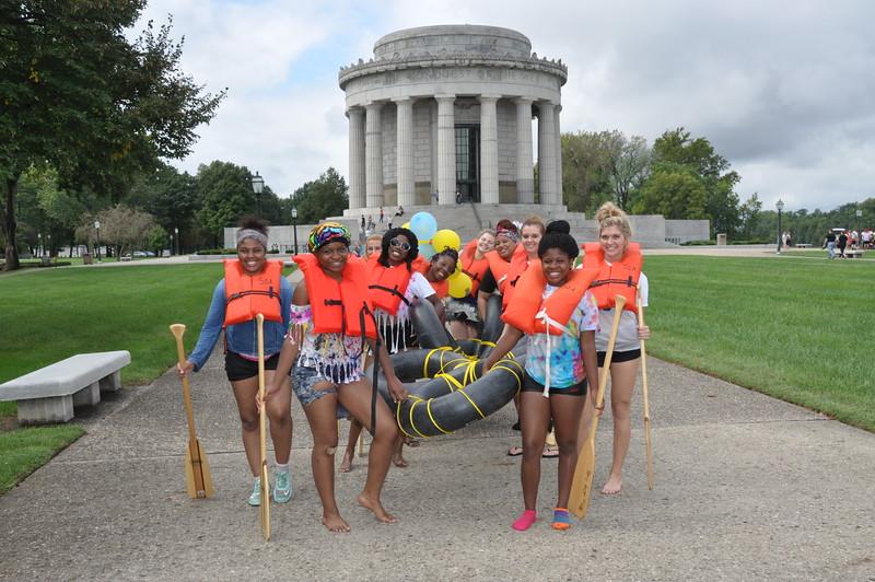 160917 Family Weekend Tube Race teams in front of Clark Memorial (12).JPG