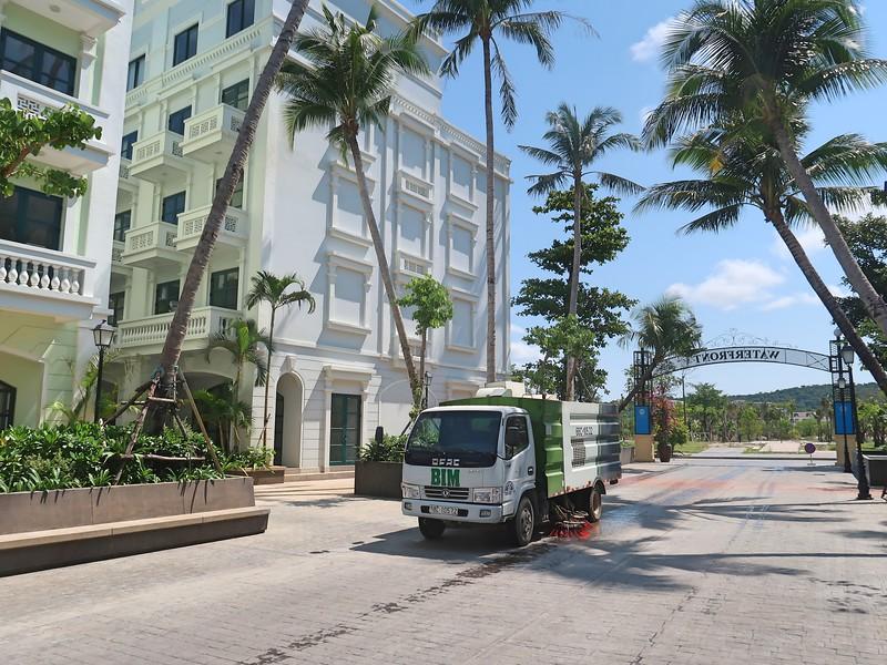 IMG_9111-waterfront-street-cleaner.jpg