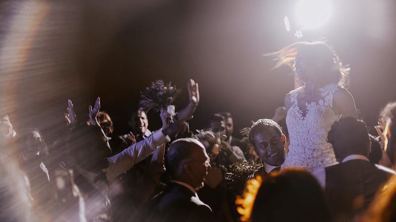 Tu-Nguyen-Destination-Wedding-Photographer-Santorini-Rocabella-Hotel-Euna-Ehsan-745.jpg