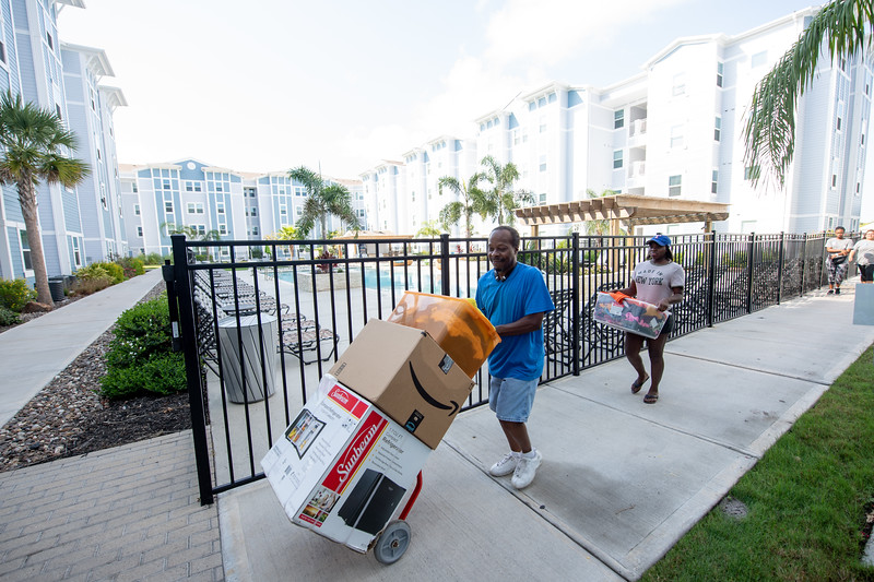 2018_0823-MoveInDay-MomentumVillage-3682.jpg