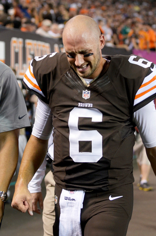 . News-Herald file Browns quarterback Brian Hoyer grimaces as he leaves the game against the Bills  with an injury in the first quarter Thursday at FirstEnergy Stadium.