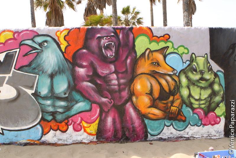 Hotel Erwin:  1697 Pacific Avenue. Los Angeles (Venice Beach), CA 90291. To make a reservation: 310.452.1111.  Photos by Venice Paparazzi. www.venicepaparazzi.com