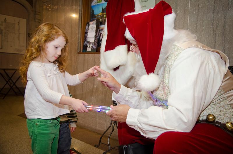 Santa at Grove_57.JPG