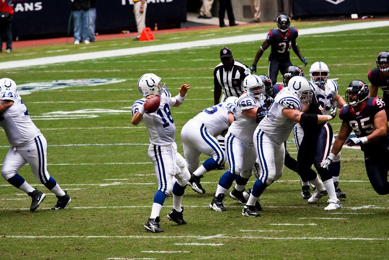 Texans-V-Colts-Nov-09-75.jpg