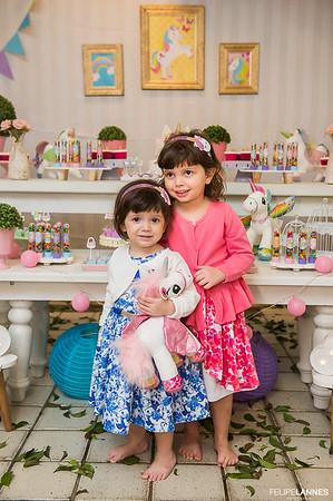 Natalia - 04 anos e Beatriz - 02 anos