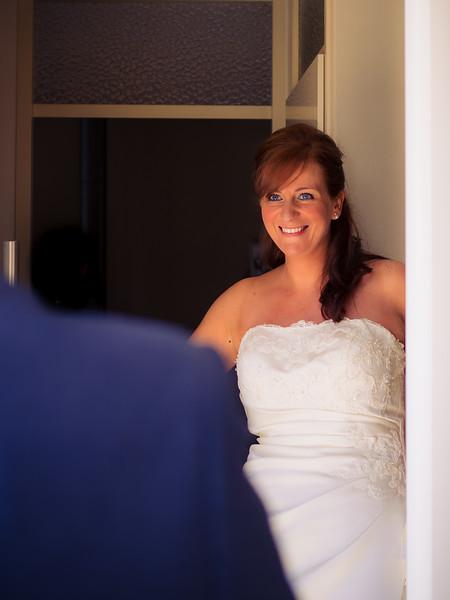 02_bruiloft marc en petra_de bruidegom haalt zijn bruid_06062014 (10 van 34).jpg