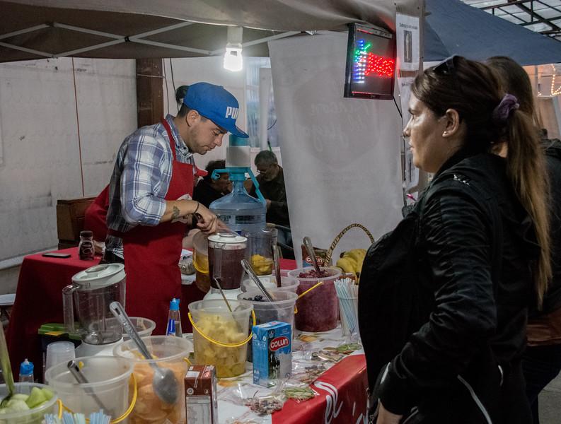 2016 P Varas Mote feria fruit drink pu,a vendor -6666.jpg