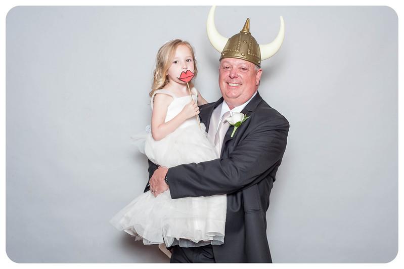 Tim+Olivia-Wedding-Photobooth-17.jpg