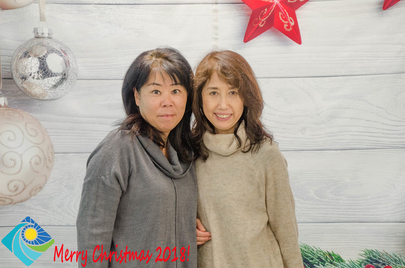Christmas Photobooth 2018 Sunday-090.jpg