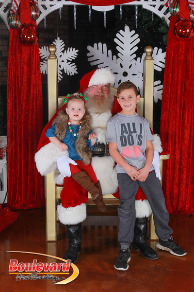 Santa 12-17-16-65.jpg
