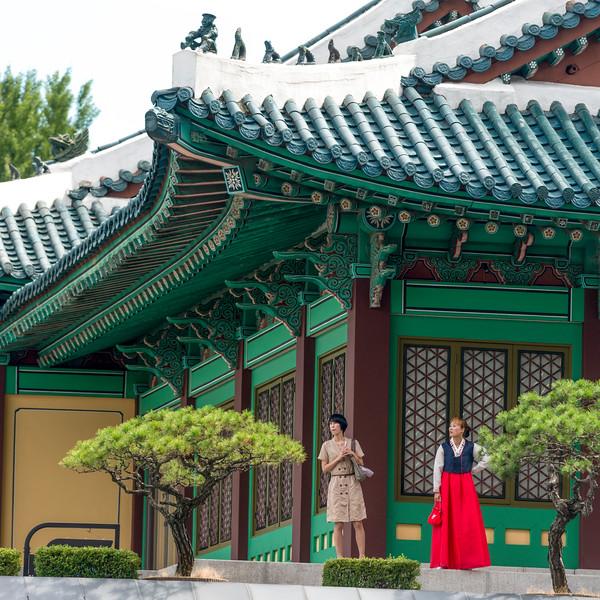 Women standing outside hotel, Shilla Hotel, Seoul, South Korea