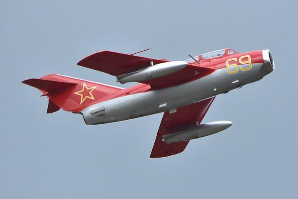 Mikoyan-Gurevich MiG-15s