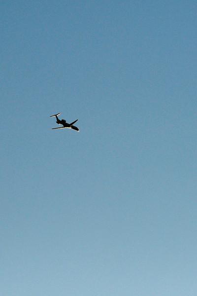 clip-015-airplane-wdsm-20oct11-1654.jpg