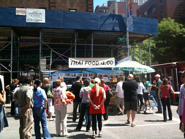 2010-05-16 Street Fair on 9th Ave in NYC